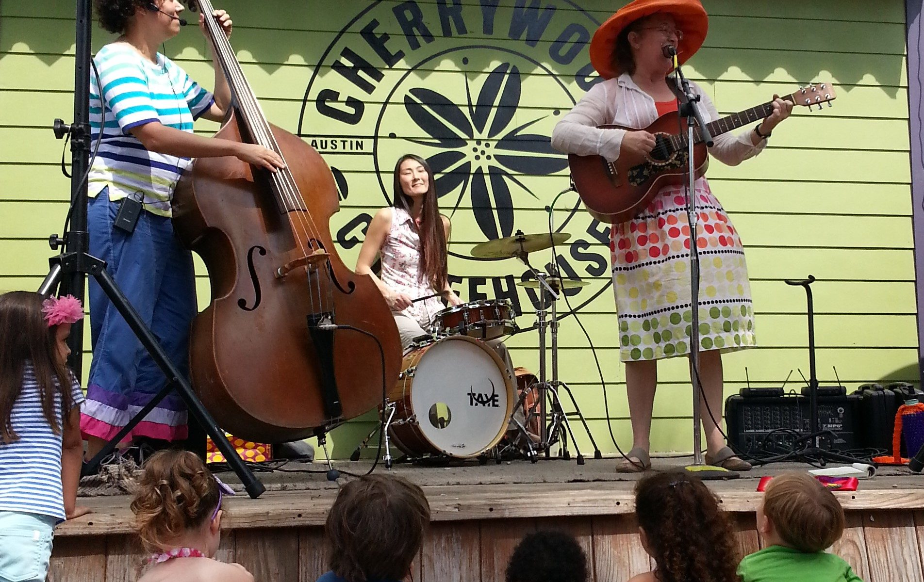 Hey Lollies Performing At Cherrywood Coffeehouse Free Kids Show